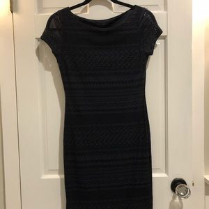 BANANA REPUBLIC GORGEOUS STRETCH THICK LACE DRESS